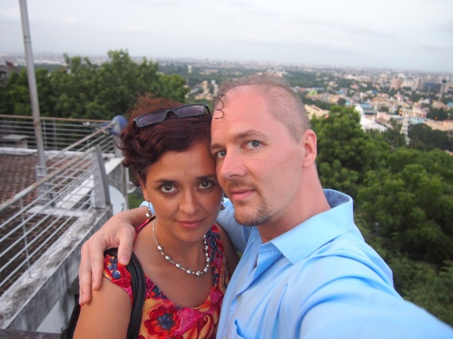 Alton and Mónica selfie overlooking Chennai from Saint Thomas Mount